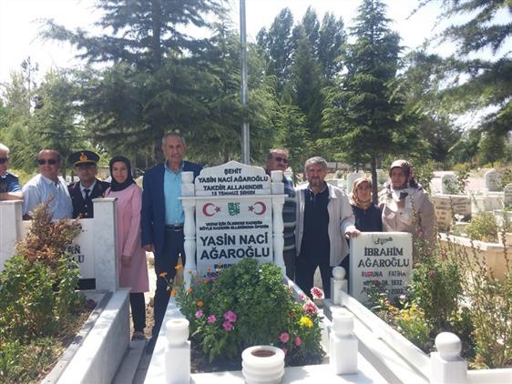 Antalya'da 15 Temmuz şehidi Yasin Naci Ağaroğlu Kabrinin Başında Anıldı