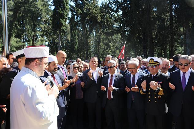 Mersin'de 18 Mart çanakkale Etkinlikleri Kapsamında şehitlik Ziyaret Edildi