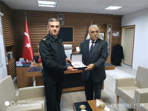 Bilecik'de 2. Jandarma Eğitim Tugay Komutanı Tuğgeneral Recep Yalçınkayadan Müftü Akkuş'a Iade-i Ziyaret