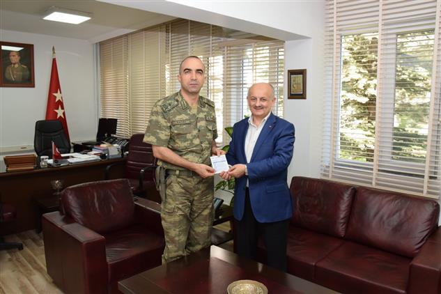 Malatya'da 2'inci Ordu Kurmay Başkanı Ve Garnizon Komutanı Tuğgeneral Hançeri Sayat'tan Kurban Bağışı