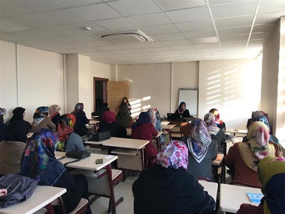 Isparta'da 4-6 Yaş Kur'an Kursu öğreticilerine Yönelik Seminer