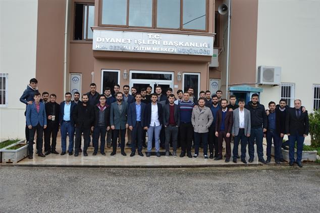 Antalya Eğitim Merkezinde 4/b Sözleşmeli Imam Hatip Mesleğe Hazırlık Eğitimi Sona Erdi.