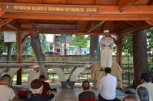 Antalya'da 74 Gün Sonra Kılınan Ilk Cuma Namazının Hutbesini Il Müftümüz Osman Artan Irad Etti