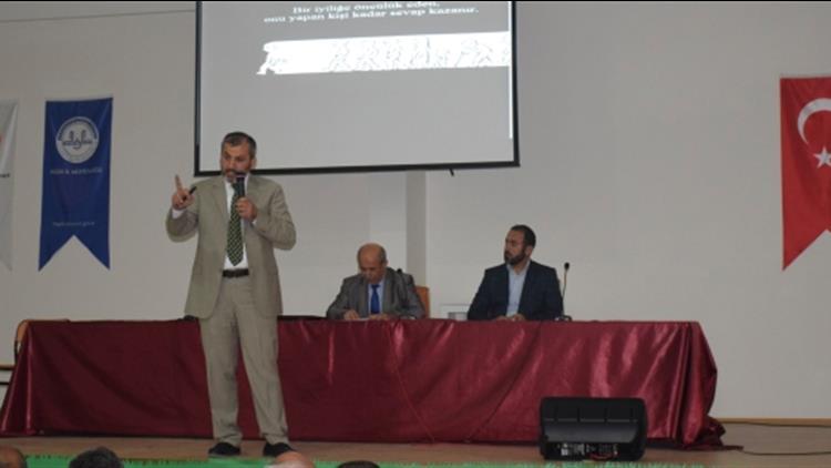 Niğde'de Adalet Ve Ihsan Bağlamında Aile Konulu Konferans