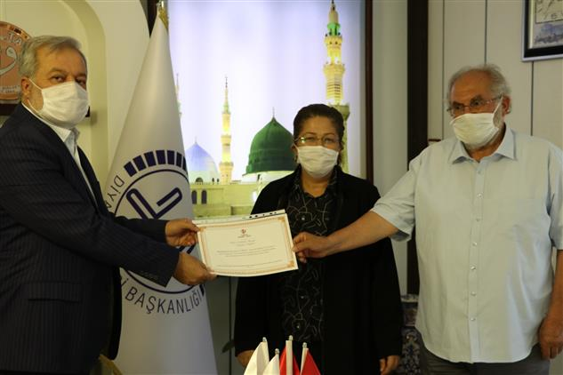 Şanlıurfa'da Adalet Ve Kalkınma Partisi Mkyk üyesi Sayın Vildan Polat Kurban Bağışında Bulundu