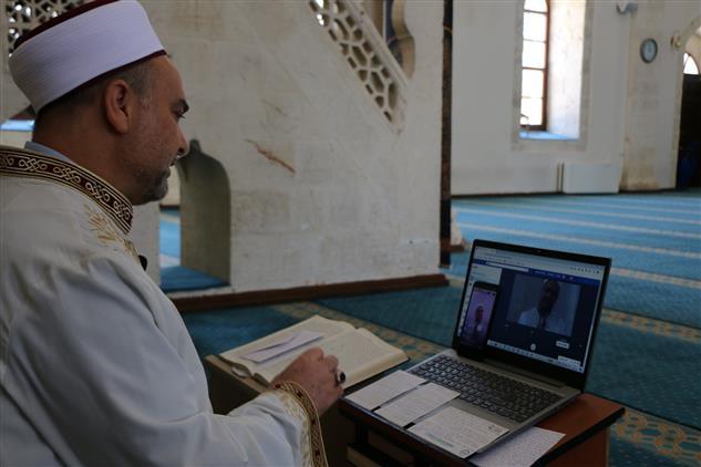 Adıyaman Il Müftüsü Mehmet Taşcı, Cuma Vaazını Sosyal Medya üzerinden Canlı Yayınla Verdi.