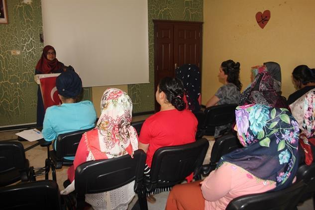 Mersin'de Aile Destek Merkezi 1 (akadem)'de Sosyal Medya Ve Aile Konulu Seminer Gerçekleştirildi.