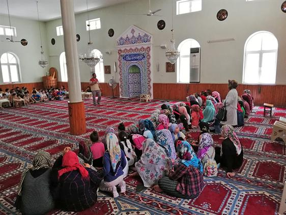 """Mersin'de Akdeniz Dernek Camii'nde Adrb Tarafından """"camiyi Tanıyalım"""" Etkinliği Gerçekleştirildi"""