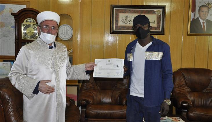 Konya'da Alausa Lagos Uyruklu Danıel Frıday Agurıase, Islam'ı Seçti