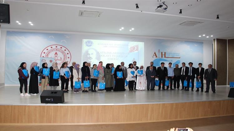 Antalya'da Anlamlı şiir Yarışmasında Final Heyecanı