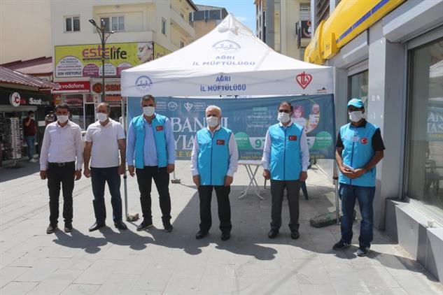 Agri'da Ağrı'da Tdv Kurban Bağış Standı Açıldı