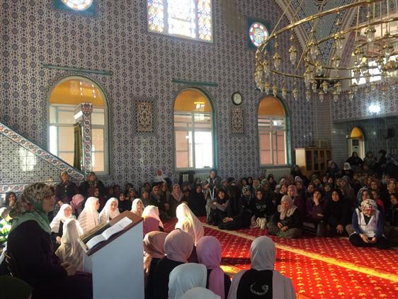 Burdur'da Bayanlara Yönelik Kandil Programı Düzenlendi