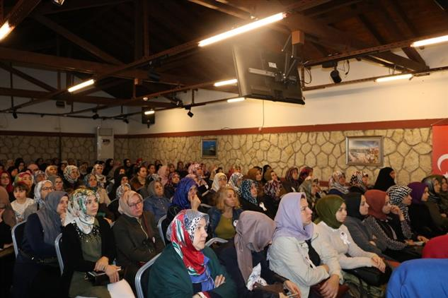 Kirklareli'de Bayanlara Yönelik Konferans