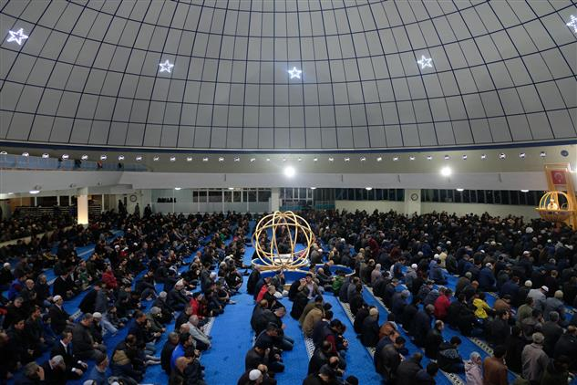 Erzincan'da Berat Gecesi Münasebetiyle Camiler Doldu Taştı