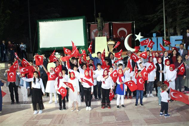 Bilecik'de Bilecik'te 15 Temmuz Hain Darbe Girişiminin üçüncü Yılı Dolayısıyla 15 Temmuz Demokrasi Ve Milli Birlik Günü Etkinlikleri Düzenlendi.