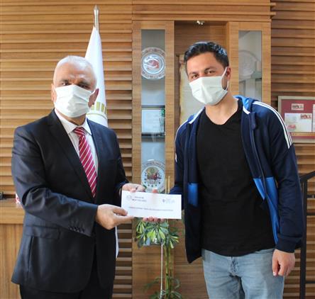 """Bilecik'de Bilecik'te """"genç Sâda Kur'an-ı Kerim'i Güzel Okuma Yarışması"""" ödülleri Verildi"""