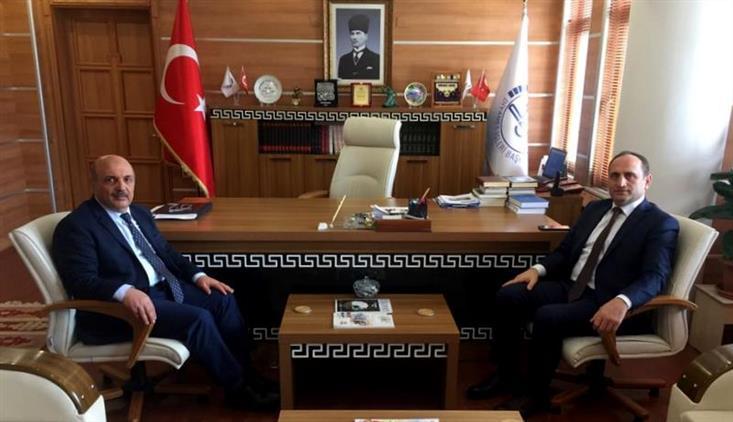 Bolu Il Milli Eğitim Müdürü Cemil Sarıcı 16.03.2020 Pazartesi Günü Il Müftüsü Orhan Genç'i Makamında Ziyaret Etti.