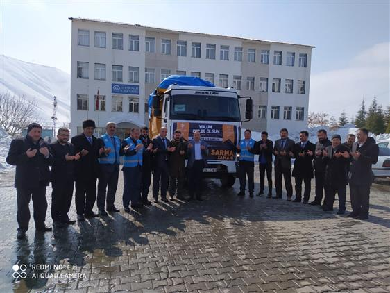 Bitlis'ten Deprem Bölgesine 1 (bir) Tır Yardım Malzemesi Gönderildi.
