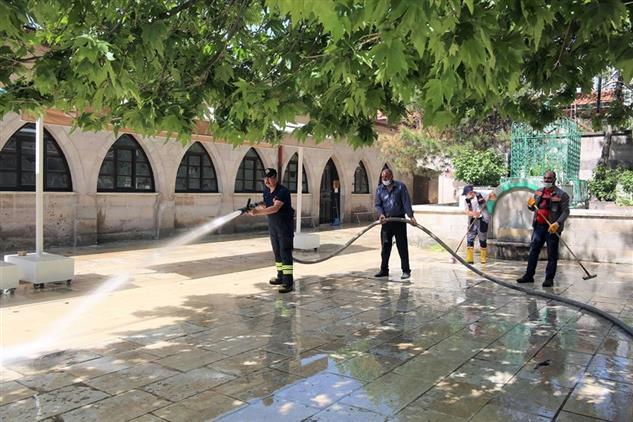 Sivas'ta Camiler Cuma Namazı Için Hazırlanıyor