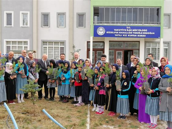 Erzurum'da Camiler Ve Din Görevlileri Haftası Münasebetiyle Fidan Dikimi