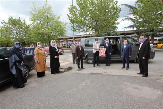 Sakarya'de Covid-19 Hastaları Için Hazırlanan Ihtiyaç Paketleri Teslim Edildi