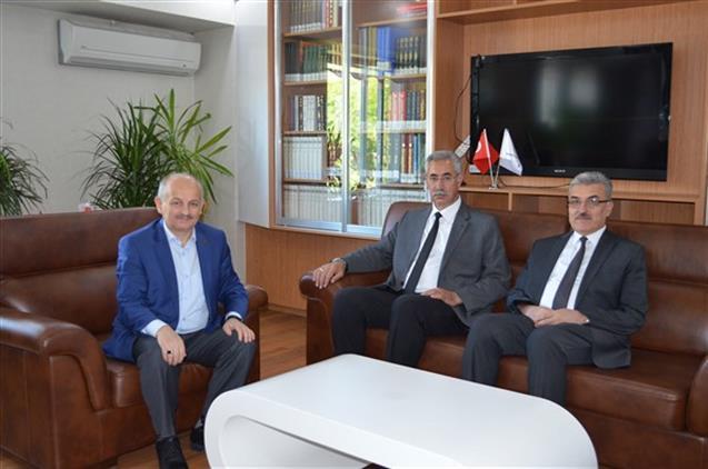 Malatya'da Defterdar Ve Vergi Dairesi Başkanından Il Müftümüze Hayırlı Olsun Ziyareti