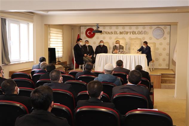 Sivas'ta Din Görevlileri Hafızlığı Muhafaza Hizmet Içi Eğitim Kursuna Katıldı