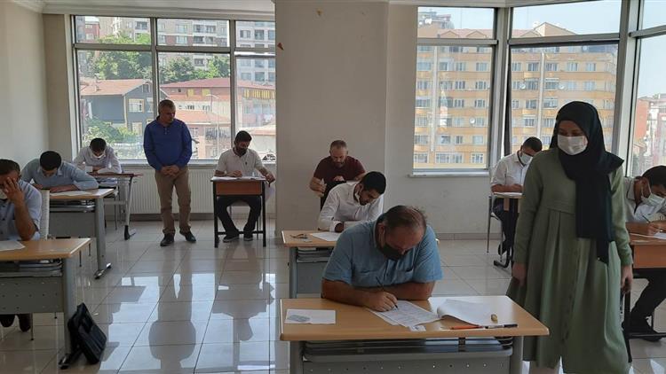 Zonguldak'ta Din Görevlilerimiz Bilgi Yarışmasında Ter Döktü