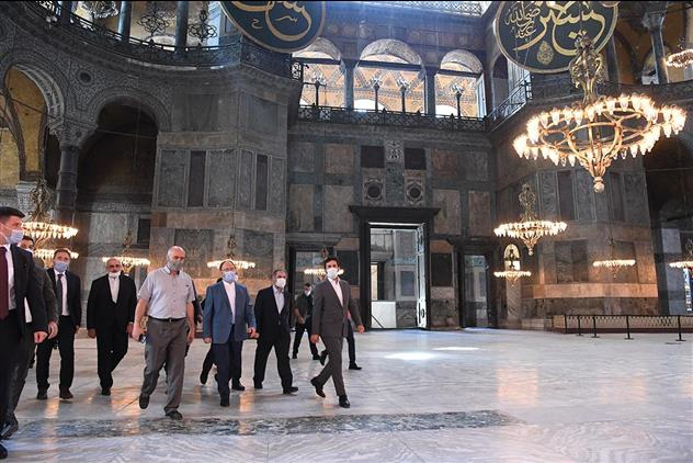 Kocaeli'de Diyanet Işleri Başkanı Erbaş Ile Kültür Ve Turizm Bakanı Ersoy Ayasofya Camii'nde Incelemelerde Bulundu