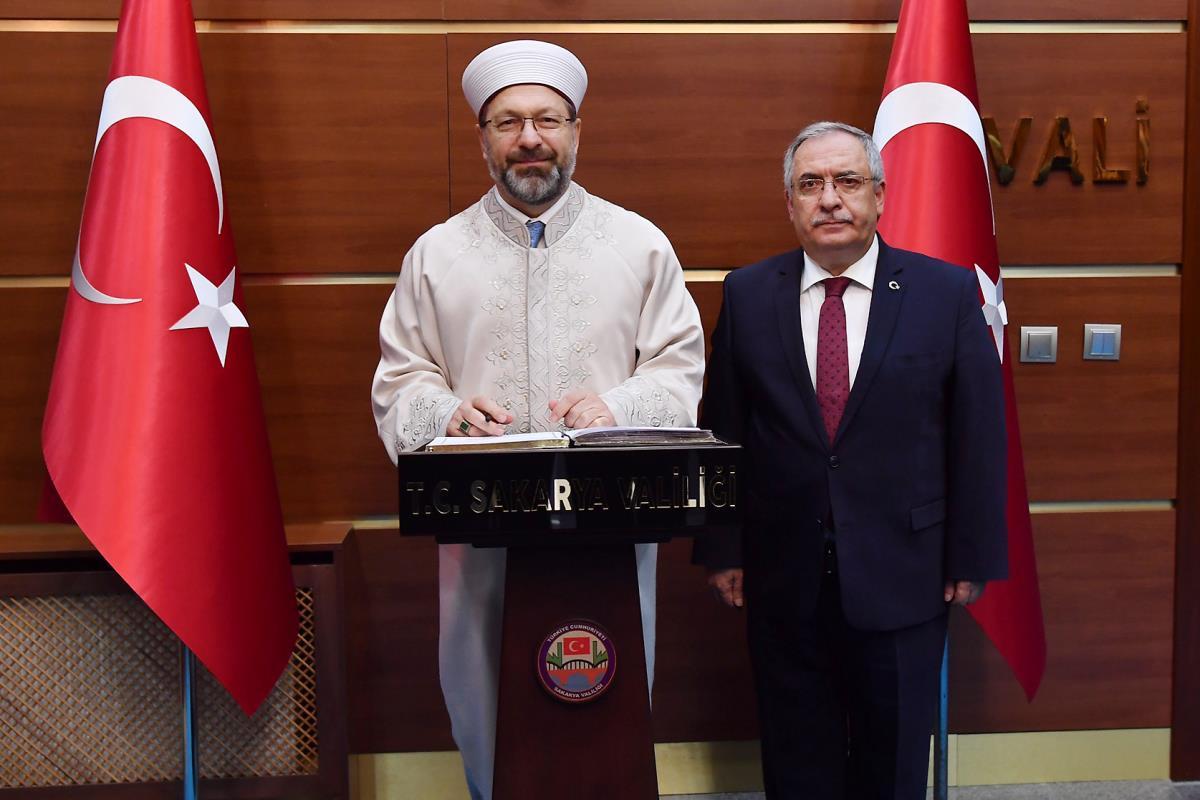 Diyanet Işleri Başkanı Erbaş, Sakarya'da