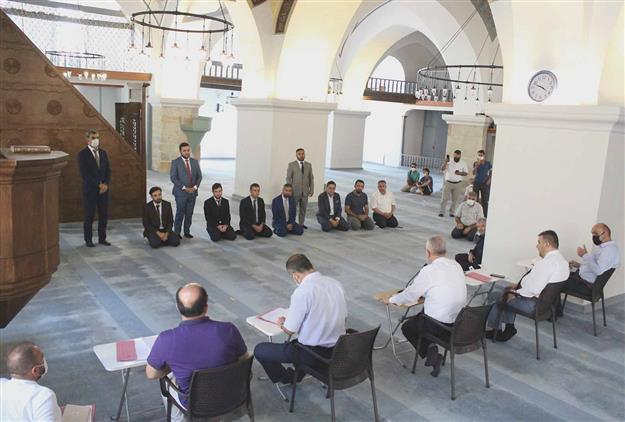 """Kastamonu'da Diyanet Işleri Başkanlığınca """"2021 Yılı Camiler Ve Din Görevlileri Haftası"""" Münasebetiyle ülke Genelinde Düzenlenen """"etkili Hutbe Sunumu Yarışması"""" 8. Bölge Finali Yapıldı."""