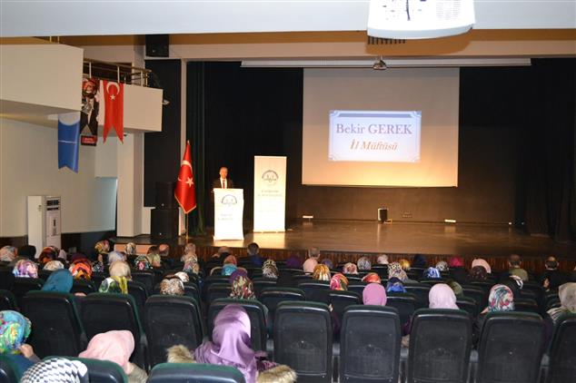 Eskişehir Il Müftülüğü 'geçmişten Günümüze Kadın Ve Toplum' Konulu Konferans Düzenledi