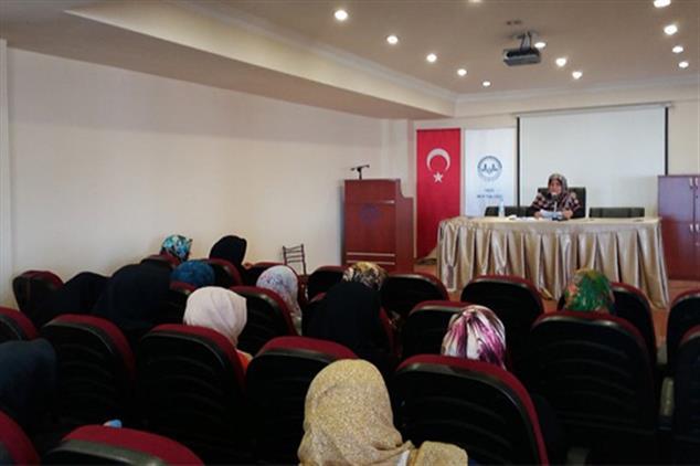Rize'de Geçici öğreticilere 'ailenin Korunması Ve Kadına Yönelik şiddetin önlenmesi' Semineri