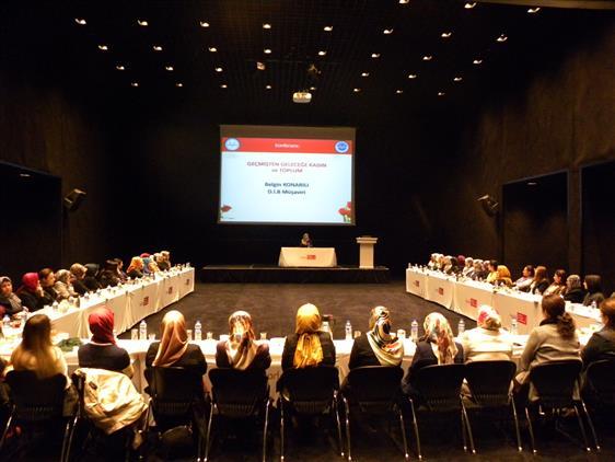 Antalya'da Geçmişten Geleceğe Kadın Ve Toplum
