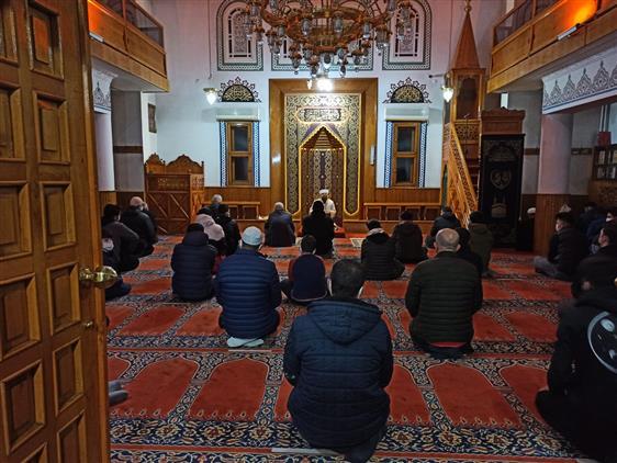 Sivas'ta Gençler Seher Vakti Camide Buluştu