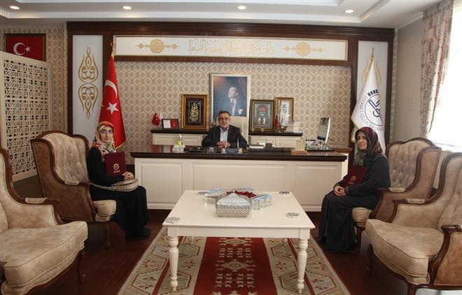 """Bursa'da """"hafız Ol Hafız Kal"""" Projesi Ilk Meyvelerini Verdi"""