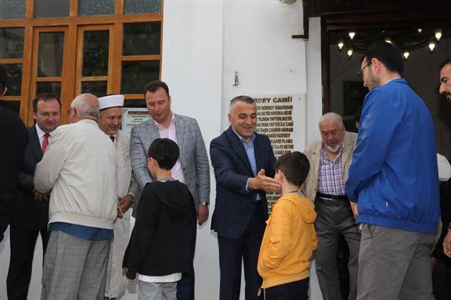 Kirklareli'de Hızırbey Camii'nde Bayramlaşma Yapıldı.