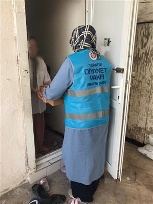 Amasya'da Ihtiyaç Sahibi Ailelere Yardımlar Devam Ediyor