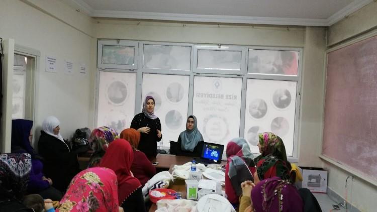 Rize'de Huzur Ailede Başlar Projesi Kadın Kültür Ve Sanat Merkezinde Devam Ediyor
