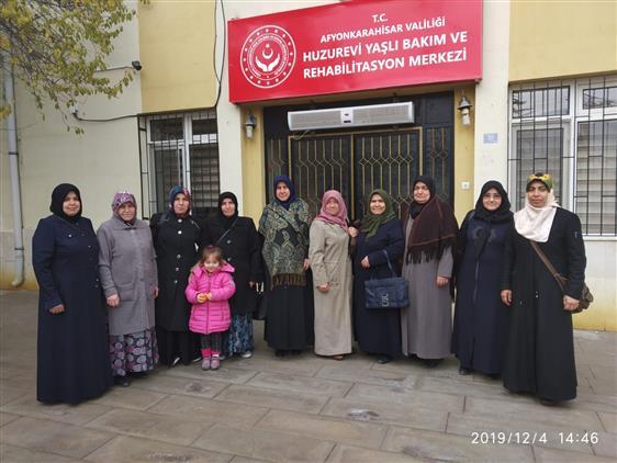Afyonkarahisar'da Huzurevine Ziyaret