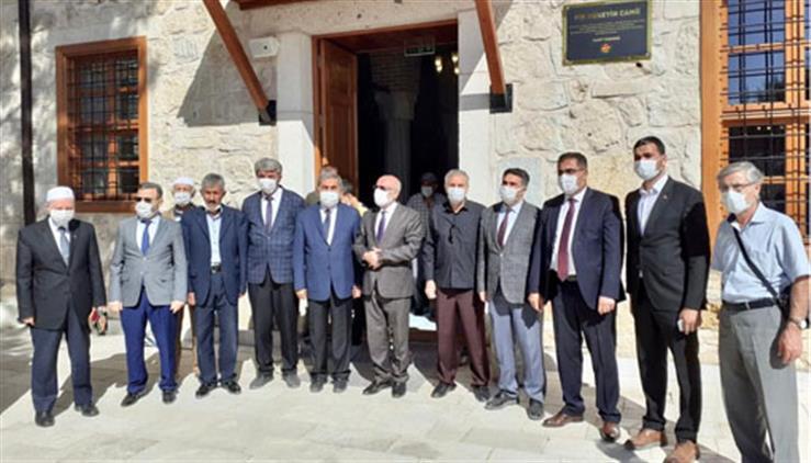 Konya'da ılgın'da Restorasyonu Tamamlanan Pir Hüseyin Bey (çukur Camii) Dualarla Ibadete Açıldı
