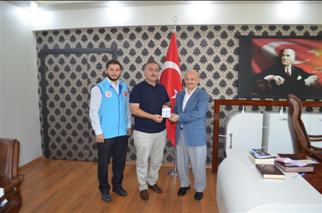 Malatya'da Kale Belediye Başkanı Murat Koca'dan Türkiye Diyanet Vakfına Kurban Bağışı