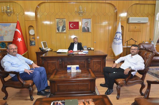 Konya'da Karapınar Belediye Başkanı Mehmet Yaka'dan Il Müftüsü öge'ye Ziyaret