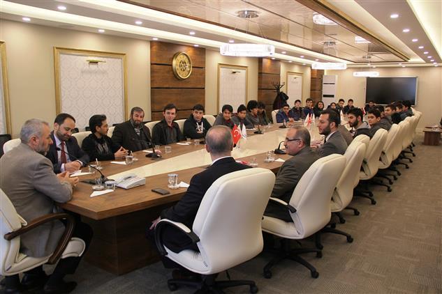 Kayseri'de Kaymek Talas Gençlik Merkezi öğrencilerinden Il Müftümüz Sayın Güven'e Ziyaret