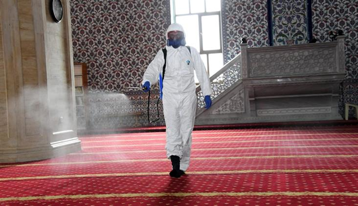 Konya Büyükşehir Belediyesi'nden Camilerde Dezenfeksiyon çalışması