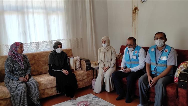 Antalya'da Korkuteli'de Yangında Evi Zarar Görenailelere Geçmiş Olsun Ziyareti