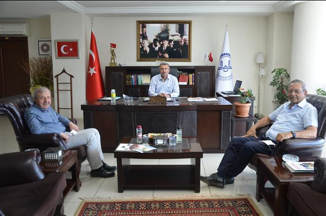 Kahramanmaras'da Kipaş Holding Yönetim Kurulundan Il Müftümüze Ziyaret