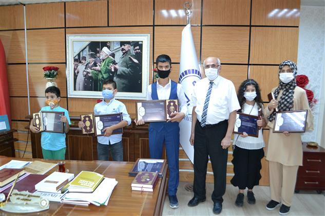 Kırşehir'de Kur'an-ı Kerim Okuyan çocuklar ödüllendirildi