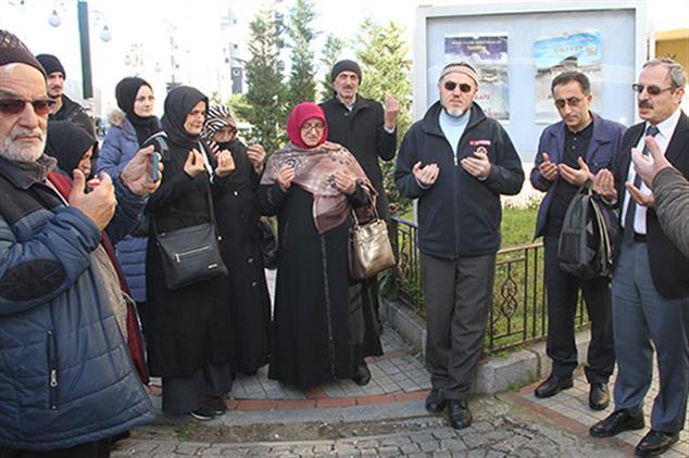 Rize'de Kudüs Bağlantılı Umre Yolcuları Dualarla Uğurlandı