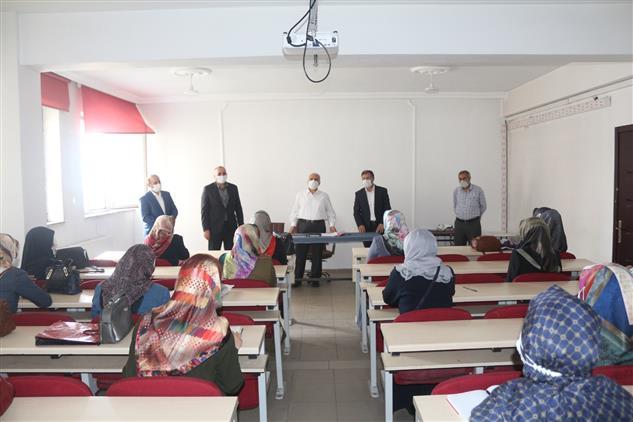 Agri'da Kur'an Kursu öğreticilerine Eğitim Semineri